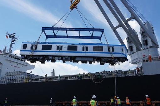 TP Hồ Chí Minh nhập khẩu thành công các đoàn tàu metro giữa mùa dịch