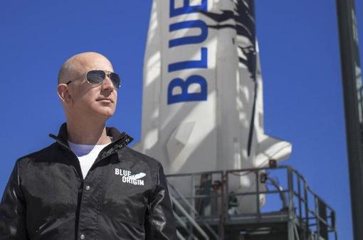 Hơn 40.000 người không muốn Jeff Bezos trở lại Trái đất