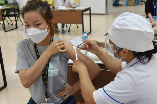 Việt Nam đã tiêm gần 2,5 triệu mũi vaccine COVID-19