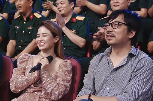 """MC Đinh Tiến Dũng, ca sĩ Dương Hoàng Yến """"thử sức"""" trong Chúng tôi chiến sĩ"""