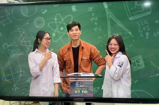 Gặp thầy dạy Hoá 'vạn trò mê' của Chinh phục kỳ thi trên VTV7