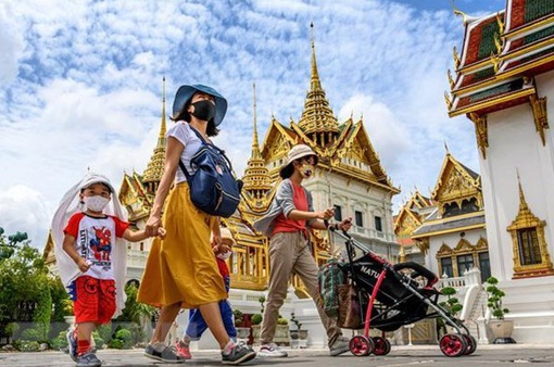 Số ca nhiễm COVID-19 tăng cao, Thái Lan hạn chế du lịch nội địa