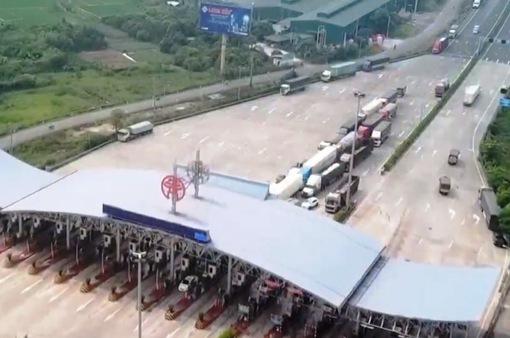 Ngày giãn cách xã hội thứ 2 tại Hà Nội: Vẫn còn nhiều xe phải quay đầu