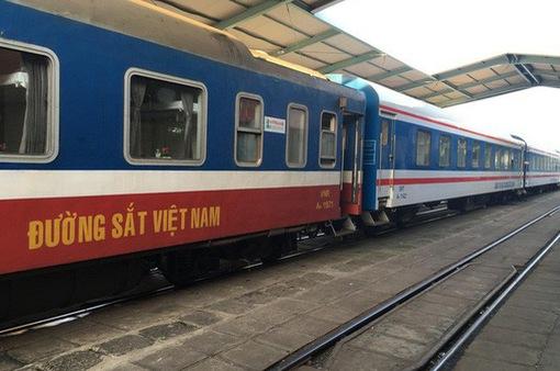 Đường sắt dừng bán vé cho hành khách đi và đến ga Hà Nội
