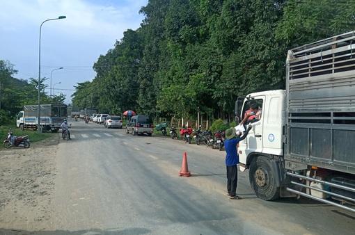 Lâm Đồng khởi tố vụ án tài xế xe tải làm lây lan dịch COVID-19