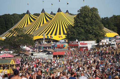 Hàng nghìn người tham gia lễ hội âm nhạc ở Anh giữa đà tăng ca nhiễm COVID-19
