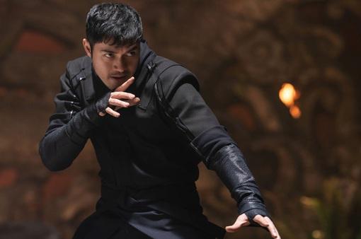 """Sao phim """"Con nhà siêu giàu châu Á"""" cảm thấy như người ngoài ở Hollywood"""