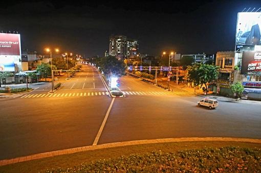 TP Hồ Chí Minh: Đêm đầu tiên thực hiện quy định không ra đường sau 18h