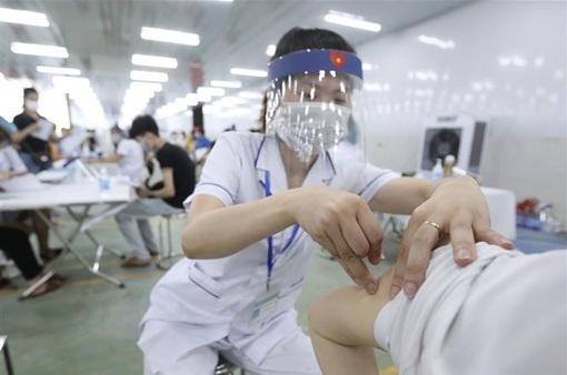 Sáng 29/7, thêm 2.821 ca mắc COVID-19; hơn 5,3 triệu llều vaccine đã được tiêm chủng
