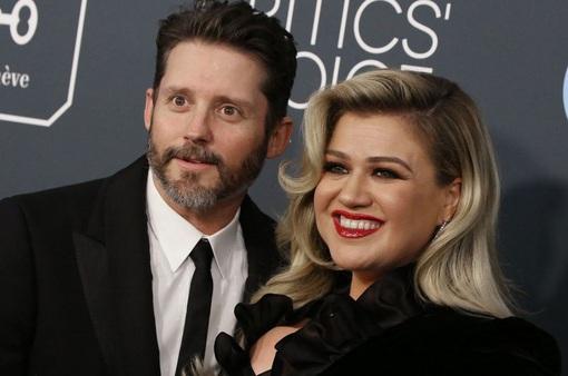 Kelly Clarkson phải trả gần 200.000 USD tiền trợ cấp mỗi tháng cho chồng cũ