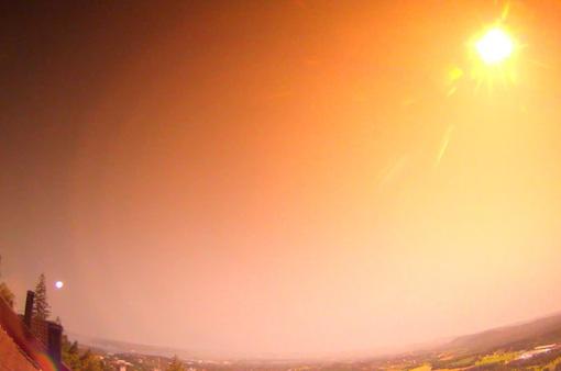 Cận cảnh, thiên thạch phát nổ sáng rực bầu trời ở Na Uy