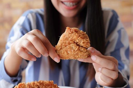 Tác dụng phụ ít người biết khi ăn thịt gà thường xuyên
