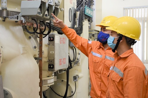 Giảm giá điện, tiền điện đợt 4 ước khoảng 2.500 tỷ đồng