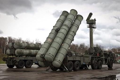 """Những """"cú đấm thép"""" và tham vọng dẫn đầu cuộc đua vũ trang của nước Nga"""