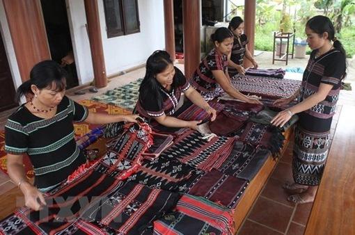 Công bố báo cáo về phụ nữ và nam giới các dân tộc ở Việt Nam