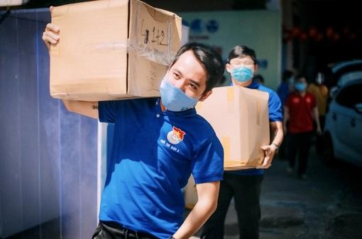 """Sức trẻ tình nguyện nơi """"tâm dịch"""" TP Hồ Chí Minh"""