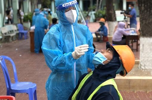 Thủ tướng yêu cầu giảm tối đa trường hợp tử vong, đẩy nhanh tốc độ tiêm vaccine ngừa COVID-19