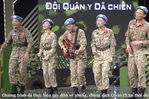"""Dàn trai xinh gái đẹp Cục giữ gìn hòa bình Việt Nam tại """"Chúng tôi chiến sĩ"""""""