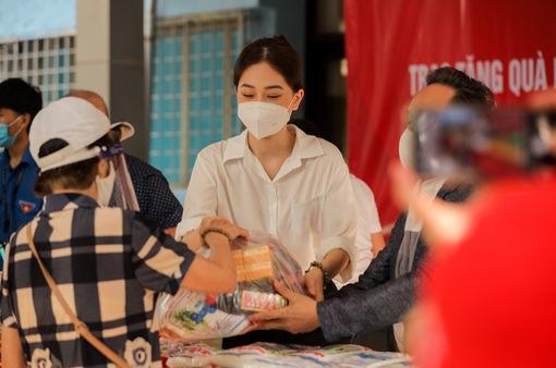 """""""Triệu túi an sinh"""" chung tay hỗ trợ người lao động nghèo vượt đại dịch"""