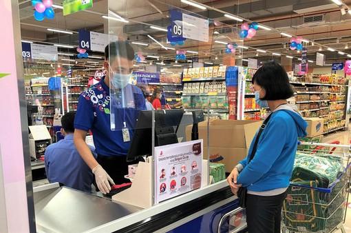 Nhiều siêu thị lớn ở TP Hồ Chí Minh hoạt động trở lại