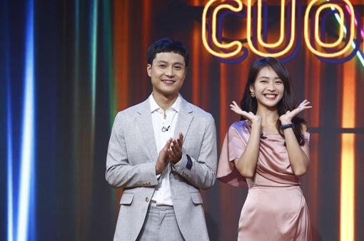 Thanh Sơn - Khả Ngân tiết lộ chuyện hậu trường oái oăm ở Cuộc hẹn cuối tuần