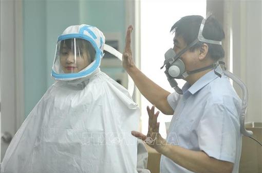 Việt Nam sáng chế thành công thiết bị bảo hộ chống COVID-19 lên tới 99%