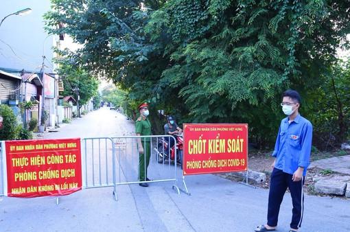 Hà Nội phong tỏa 2 khu dân cư liên quan chùm 7 ca dương tính SAR-CoV-2 ở quận Long Biên