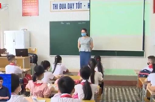 Học sinh một số tỉnh thành trở lại trường, Hà Nội tính toán phương án mở cửa trường học