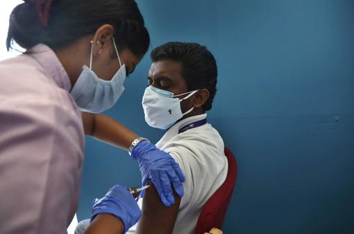 Ấn Độ nối lại xuất khẩu vaccine từ quý IV