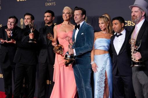 Emmy 2021 lật ngược tình thế, tỉ lệ lượt xem tăng mạnh
