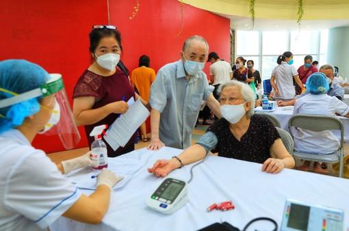 Giảm từ 35 ca xuống 2,7 ca/ngày ở cộng đồng, Hà Nội đã cơ bản kiểm soát tốt tình hình dịch