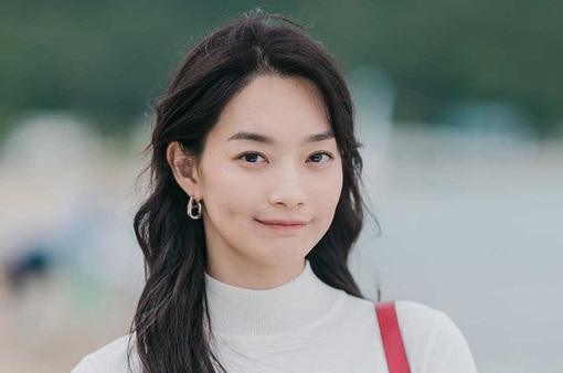 6 sự thật thú vị về Shin Min Ah - ngôi sao đáng yêu của Hometown Cha-Cha-Cha