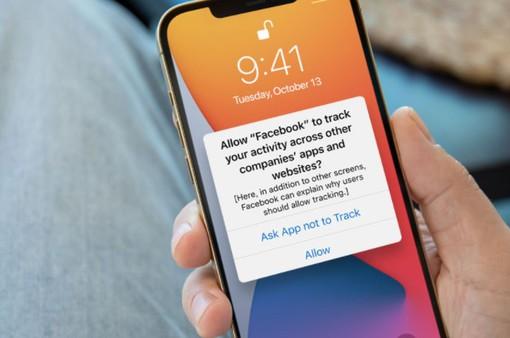 """Cựu kỹ sư của Apple tuyên bố tính năng chống theo dõi trên iOS là """"vô dụng"""""""