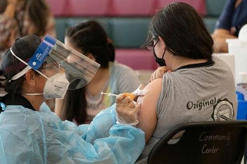 Hơn 6 tỷ liều vaccine được tiêm cho người dân trên toàn thế giới
