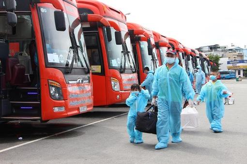 Bộ GTVT nới lỏng vận tải hành khách, không bắt buộc tiêm vaccine