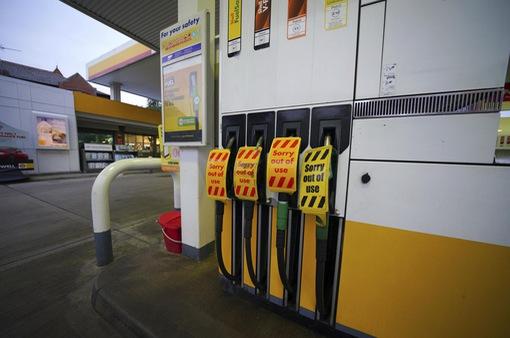 Khủng hoảng nhiên liệu tại Anh có thể làm gián đoạn nghiêm trọng các dịch vụ thiết yếu
