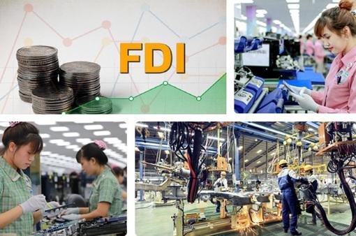 """""""2 ít, 3 cao, 4 sẵn sàng"""" săn vốn FDI"""