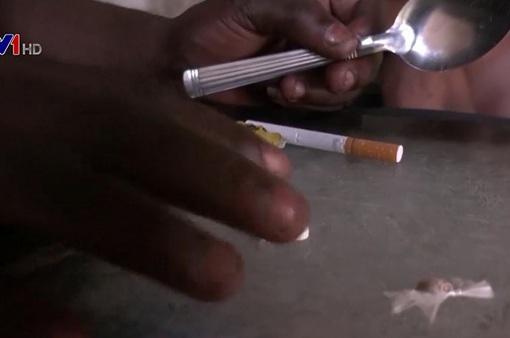 Cơn sốt ma túy pha chế từ cặn khói xe ở Congo
