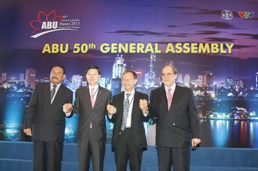 Nhìn lại sự kiện quốc tế ABU GA 50