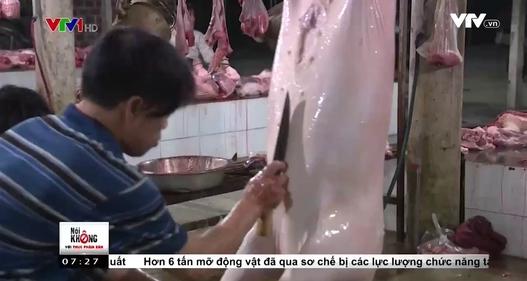 Bên trong lò giết mổ treo tại Hà Tĩnh khiến nhiều người bất ngờ