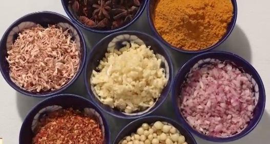 Đầu bếp Ấn Độ và niềm đam mê gia vị Việt