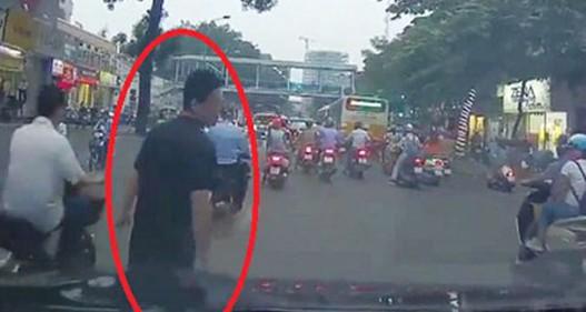 Bắt giữ nam thanh niên dàn cảnh va chạm giao thông, đòi bồi thường