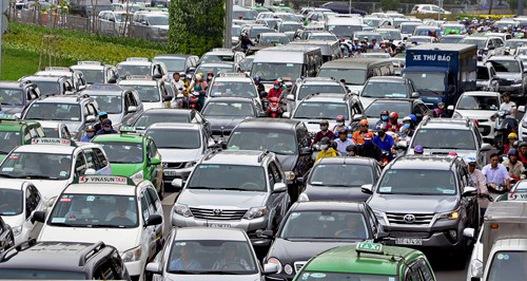 Có nên thực hiện thu phí ô tô vào nội đô TP.HCM?