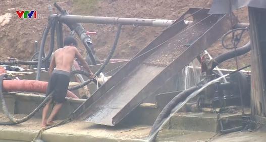 Bắc Giang: Doanh nghiệp lợi dụng giấy phép khai thác cát trái phép