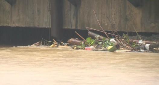 Thừa Thiên - Huế ứng phó lũ lớn khi nước nguồn đổ mạnh về hồ chứa và thủy điện
