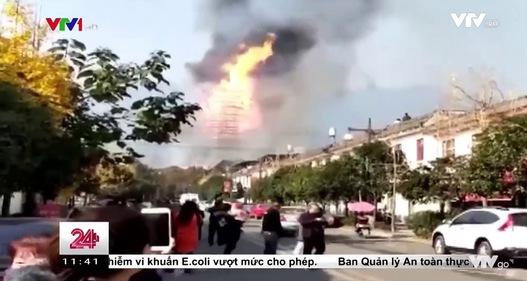 Tháp cổ cao nhất châu Á bị thiêu rụi