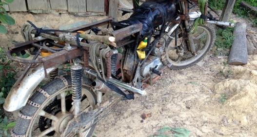 Nguy hiểm từ xe máy độ chế ở miền núi Khánh Vĩnh