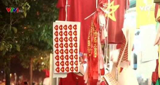 Sôi động thị trường sản phẩm cổ vũ U23 Việt Nam