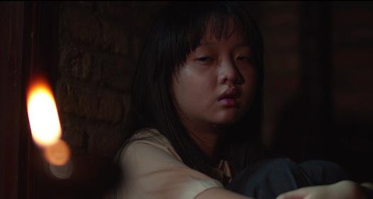 Phim Mộng phù hoa - Tập 2: Ba Trang (Kim Tuyến) sống cuộc đời tù túng, suýt bị ba dượng hãm hại