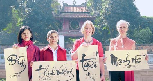 Các đại sứ tại Việt Nam chúc Tết Mậu Tuất 2018